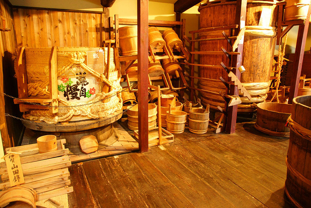 http://www.nipponnosake.com/kura/images/takijiman_23_furudogu.jpg