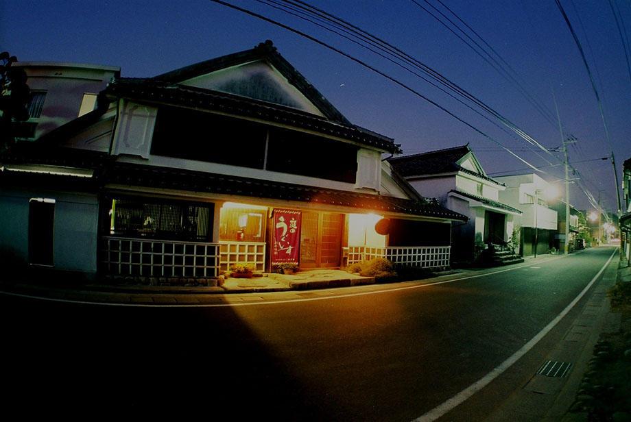 http://www.nipponnosake.com/kura/images/uguisu_12_yoruno_kura.jpg